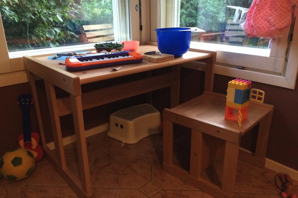Stolík a stolička Dorotka na každý deň. Montessori nábytok