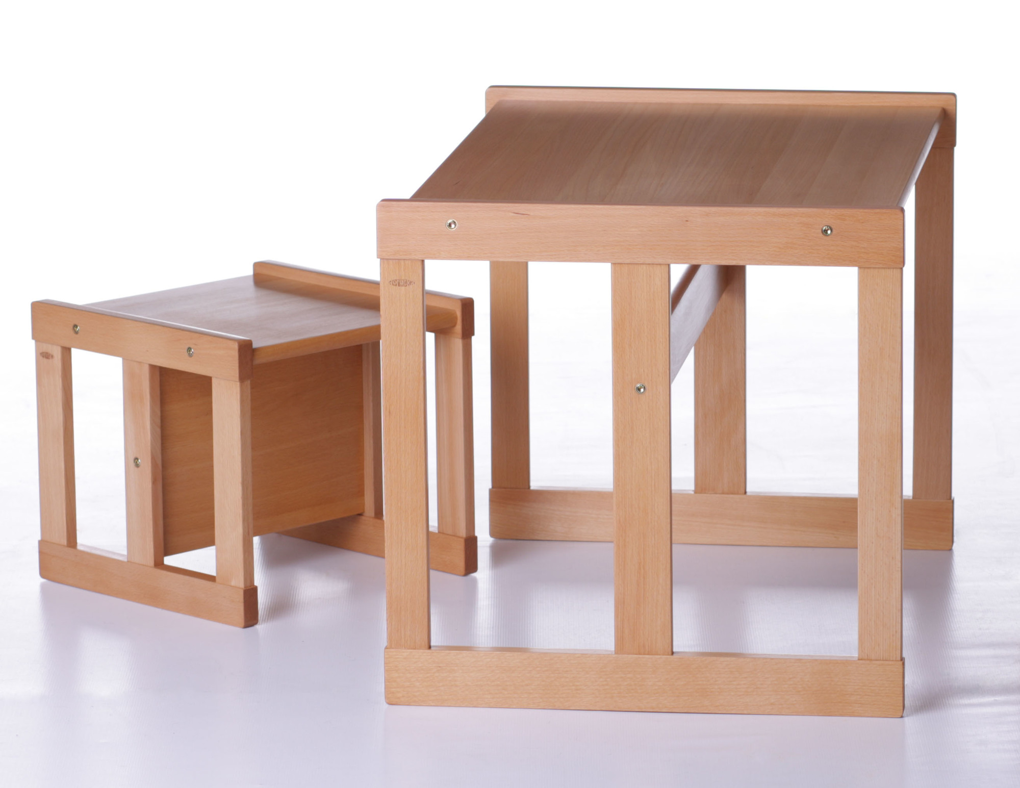 52f0cf5c7826 ... Drevený detský stolík so stoličkou pre dieťa od 3 rokov